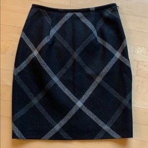 Jones skirt. 6P